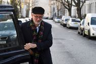 Britain's Labour Party leader Jeremy <HIT>Corbyn</HIT> gets out of a taxi near his home in London, Britain