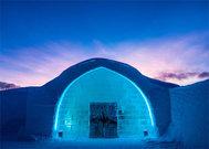 La fachada helada del Icehotel Winter.