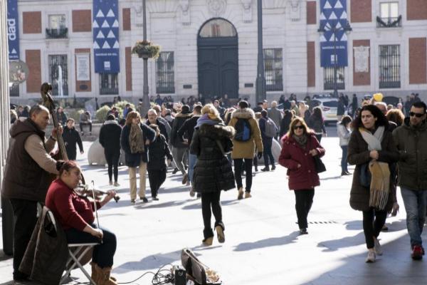 La calle Preciados, en su confluencia con la Puerta del Sol de Madrid.