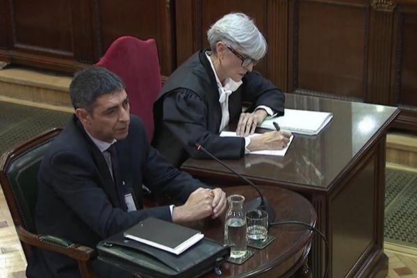 Josep Lluis Trapero, junto a su abogada, Olga Tubau, declara como...