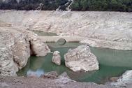 El embalse de Ulldecona,apenas alcanza los 0,86 hectómetros cúbicos de agua embalsada.