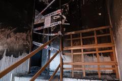 Estado en el que quedó la vivienda incendiada en la barriada La Hispanidad de Huelva.