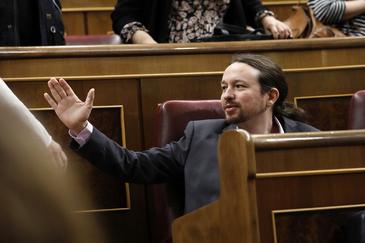 El secretario general de Podemos, Pablo Iglesias, en la sesión de investidura de Pedro Sánchez.