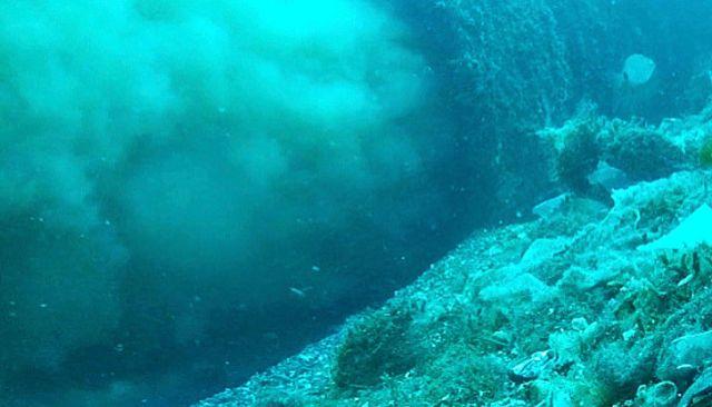 Vertido de aguas fecales en la Bahía de Palma grabado por Gaceta Náutica. JUAN POYATOS