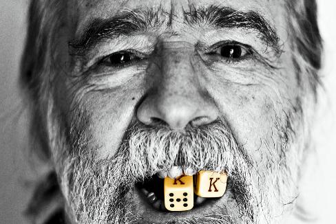 De reventar casinos a rodar porno: la vida exagerada de Gonzalo García Pelayo
