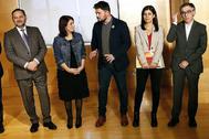 Josep Maria Jové (primero por la dcha.), con el resto de negociadores del pacto entre ERC y el PSOE para la investidura de Pedro Sánchez.