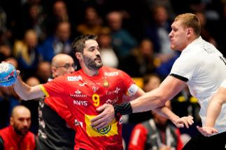 Plácido debut de España ante Letonia