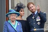 Meghan y Harry junto a la reina Isabel