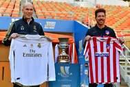 Zidane y Simeone, en el posado previo a la final de la Supecopa.