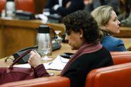 Magdalena Valerio, que deja de ser ministra de Trabajo, y Nadia Calviño, titular de Economía.
