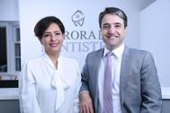 La doctora Parisa Eghbalian muerta en el accidente del avión ucraniano, junto a su esposo Hamed Esmaeilion en su consulta odontológica en Aurora, Ontario, Canadá.