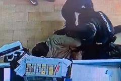 Espectacular acción policial para evitar el atraco en un supermercado