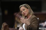 Ana Oramas, durante su intervención en la investidura de Pedro Sánchez.