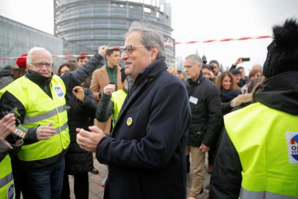 El presidente catalán, Quim Torra, este lunes, en las inmediaciones...