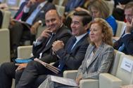 La subgobernadora del Banco de España, Margarita Delgado, y el presidente del BBVA, Carlos Torres.