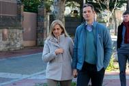 Iñaki Urdangarin pasea con la Infanta Cristina por Vitoria durante su primer permiso el pasado día de Navidad.
