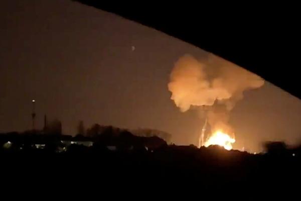 Un muerto y ocho heridos por la explosión y el incendio de una planta petroquímica en Tarragona