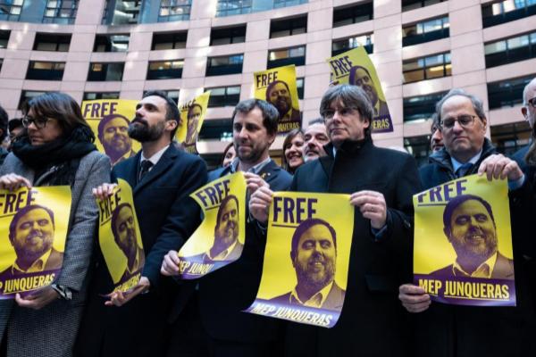 Roger Torrent, Carles Puigdemont, Toni Com