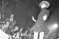Un desfile de Mary Quant en Bocaccio, con un joven Ricardo Bofill entre el público.