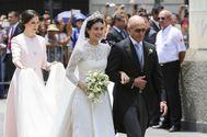 Sassa de Osma, vestida de Vázquez en su boda con un traje parecido al de la duquesa de Cambridge.