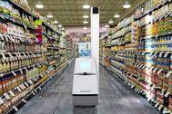 El robot de la firma Bossa Nova revisando los productos de un supermercado.