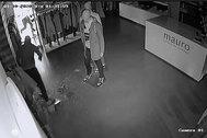 Ladrones que dejan su 'marca' en la boutique