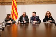 Quim Torra, Pere Aragonès, Meritxell Budó y Ester Capella presiden, este viernes, la reunión de partidos catalanes.
