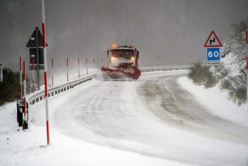 Borrasca Gloria: un muerto en Asturias y alertas por viento y nieve en media España