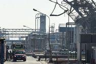La empresa petroquímica IQOX, tras el accidente del pasado martes, que causó tres muertes.