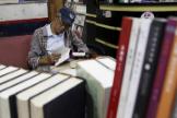 Lam Wing-kee, el librero represaliado por China que reabre ahora su tienda en Taiwan.