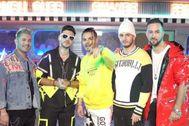 Los miembros de Lérica con Abraham Mateo y Omar Montes en el rodaje de Pegamos Tela, su nuevo single