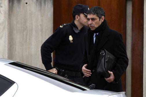 Josep Lluís Trapero abandona la sede de la Audiencia Nacional.