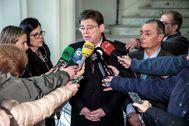 El presidente de la Generalitat, Ximo Puig, junto con el presidente de la CEV, Salvador Navarro.