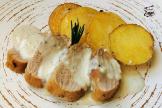 Solomillo asado de cerdo con salsa de Roquefort