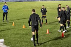 Pablo Alfaro dirige el entrenamiento del lunes de la UD Ibiza.