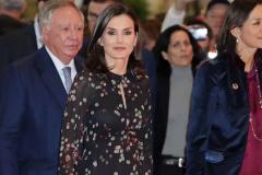 La Reina Letizia con vestido de Massimo Dutti