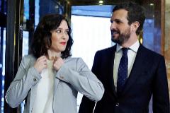 La presidenta de la Comunidad de Madrid, Isabel Díaz Ayuso, junto al presidente del PP, Pablo Casado.