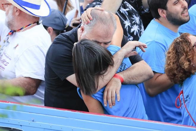 Ana Pastor y Ferreras se besan en la última celebración del Orgullo en Madrid.