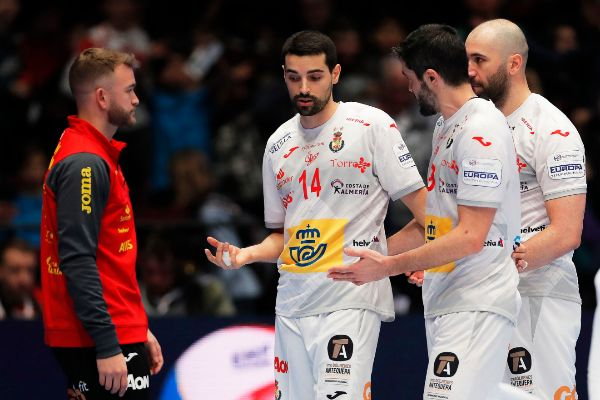 """Vienna ( Austria) .- Players of <HIT></noscript>Spain</HIT> react during the EHF … """"/><figcaption class="""