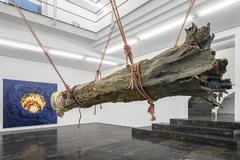 Algunas de las piezas que pueden verse en la exposición 'Destroy All Monsters' en la galería Luis Adelantado.