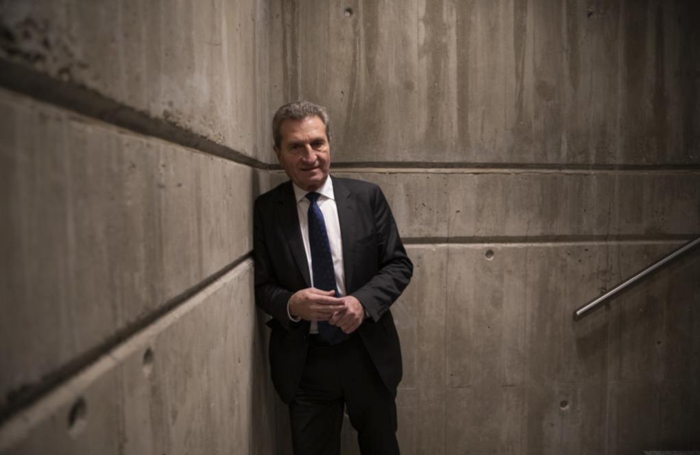 El político alemán y ex comisario europeo Günther Oettinger, en una...