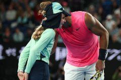 """El tierno beso de Nadal a una recogepelotas: """"Ha sido uno de mis peores sustos en una pista de tenis"""""""
