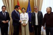 La ministra de Trabajo, Yolanda Díaz, junto a los representantes empresariales y sindicales.