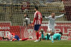 Sergio Benito celebra el gol de la victoria de la Cultural.