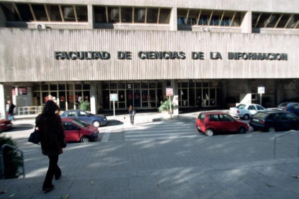 Facultad de Ciencias de la Información de la Universidad Complutense...