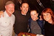 Nate Richert, David Lascher, Melissa Joan Hart y Elisa Donovan de Sabrina, cosas de brujas.