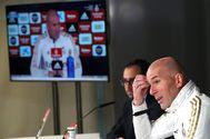 GRAF7945. MADRID.- El entrenador del Real Madrid, Zinedine <HIT>Zidane</HIT> durante la rueda de prensa tras el entrenamiento del equipo en la ciudad deportiva de Valdebebas en Madrid este sábado con motivo de preparar el encuentro correspondiente a la vigésimo primera jornada de LaLiga que les enfrenta al Valladolid en el estadio José Zorrila.