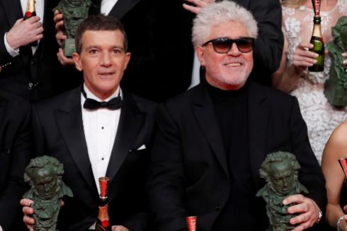 El cine español lleva a la gloria el dolor de Pedro Almodóvar en los Goya