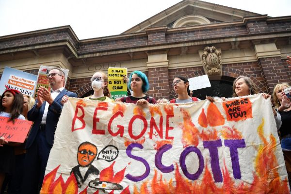 Sydney (<HIT>Australia</HIT>).- Protestors join New South Wales Greens...