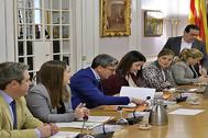 Los representantes de Vox,Ciudadanos y PP, en la Junta de Síndics de las Cortes.
